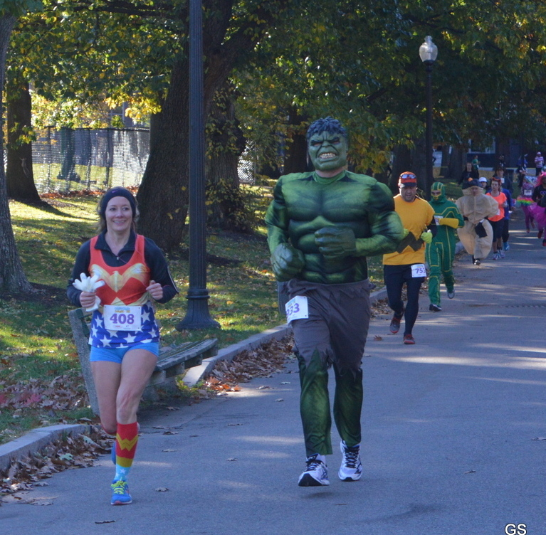 Wonder girl and Hulk
